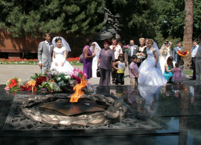 In de rij met je bruidsboeket
