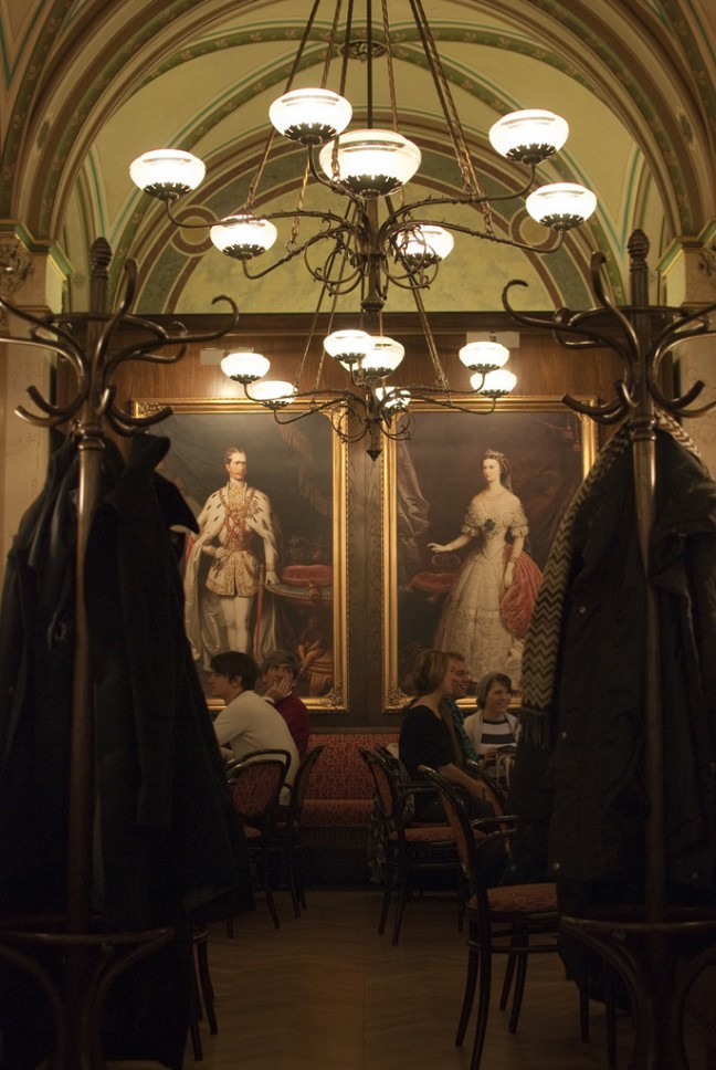 Ontbijten in Cafe Central
