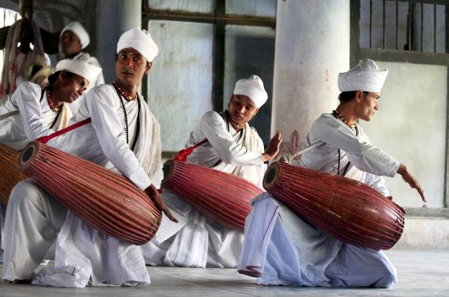 Monniken van het Kamlabari Satra