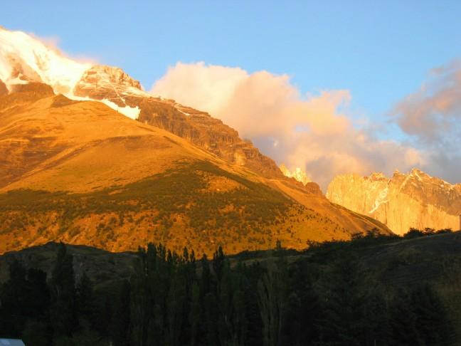 opkomende zon in Torres del Paine