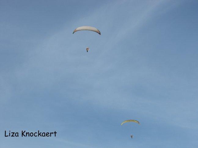 Parachutes in de lucht