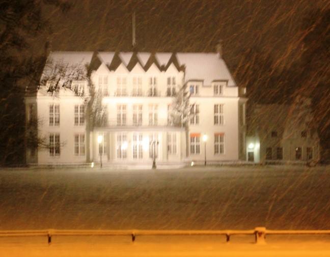 Gemeentehuis in de sneeuw