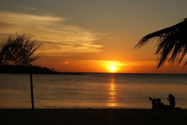 Zonsondergang met een jamaicaans koppel