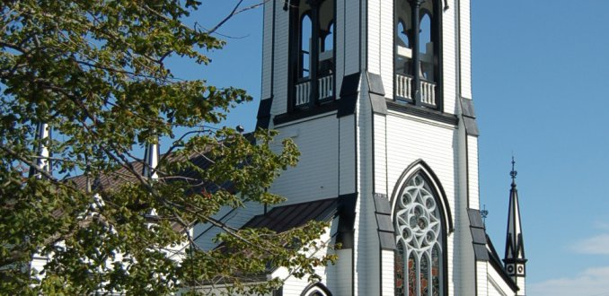 Spierwit houten kerkje Canadeze oostkust