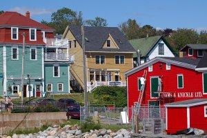 Pas op, nat! - Lunenburg, Nova Scotia
