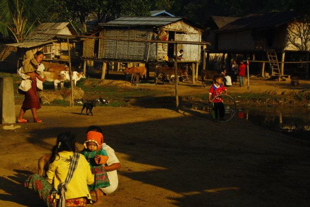 Het alledaagse leven in de bergen van Laos