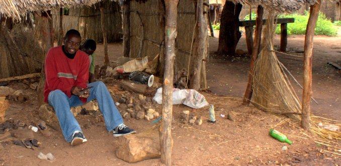 Houtbewerking Chief Mukuni's Village
