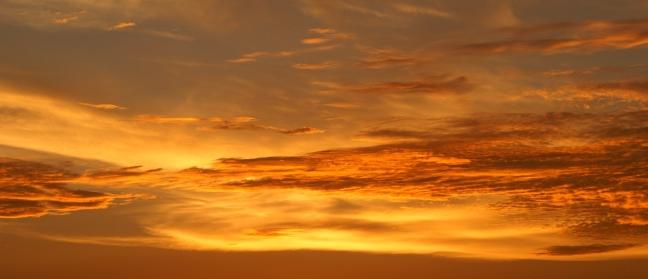 Brandende wolken