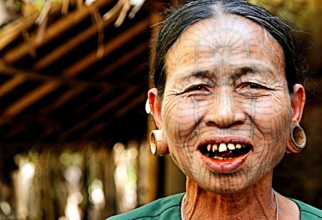 getatoeerde Chin vrouwen