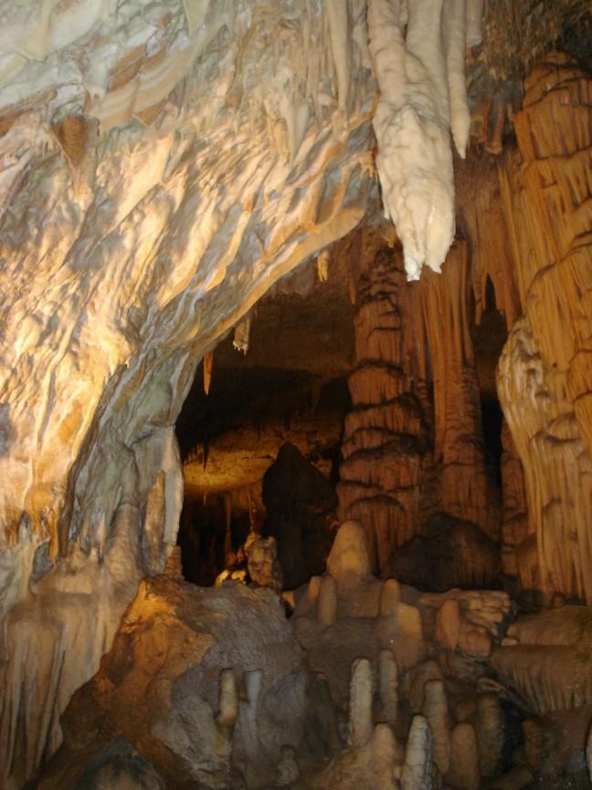Grotten van Postonja
