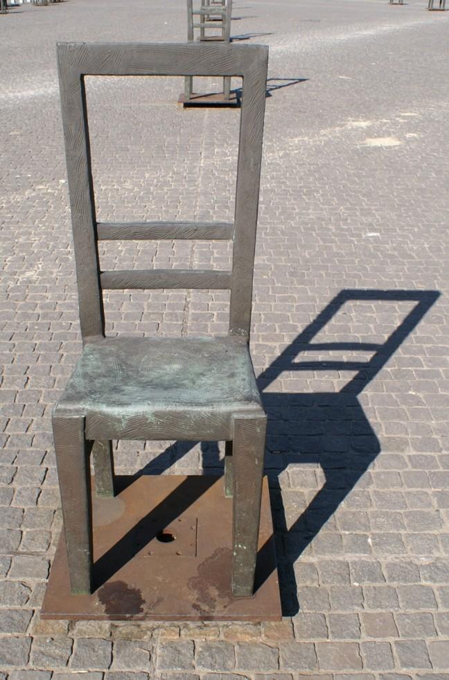 De lege stoelen van het Plac Zgody