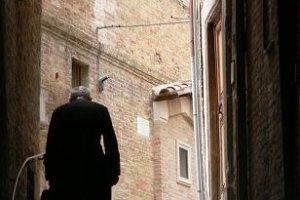 Priester in Urbino
