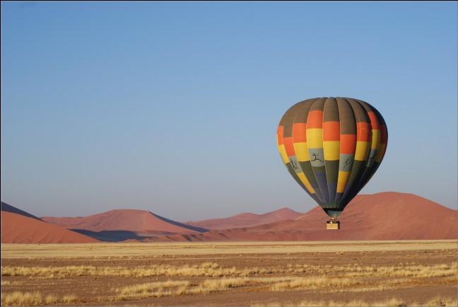 Sportief per ballon over de Sossusvlei