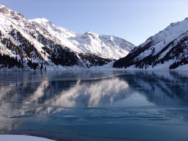 Almaty Meer in de winter