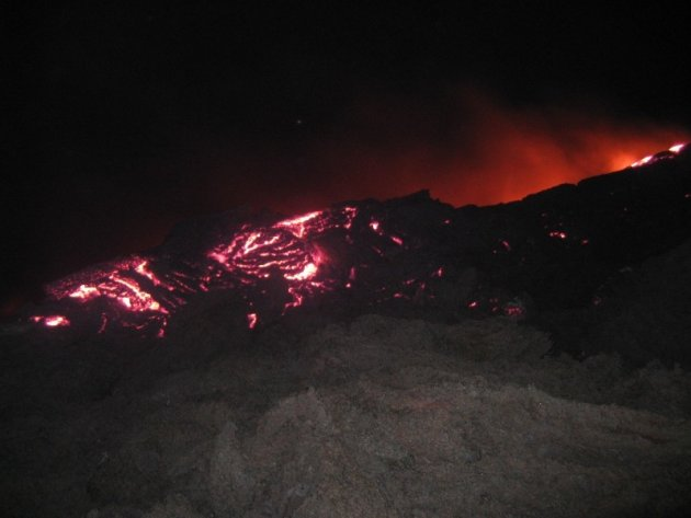 Stromende lava op Pacaya