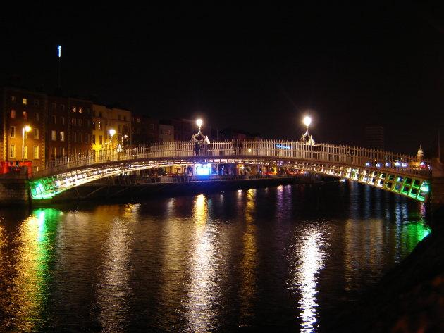 Ha'penny bridge verlicht