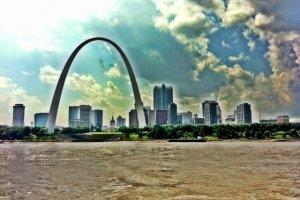 Zicht op St Louis vanaf de Mississippi