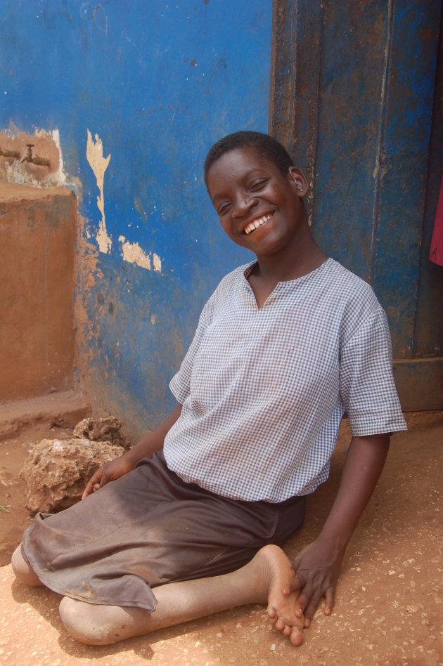 Meisje met lichamelijke beperking, maar geen gebrek aan uitstraling!