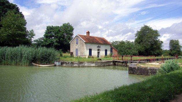 sluisje Canal de Bourgogne