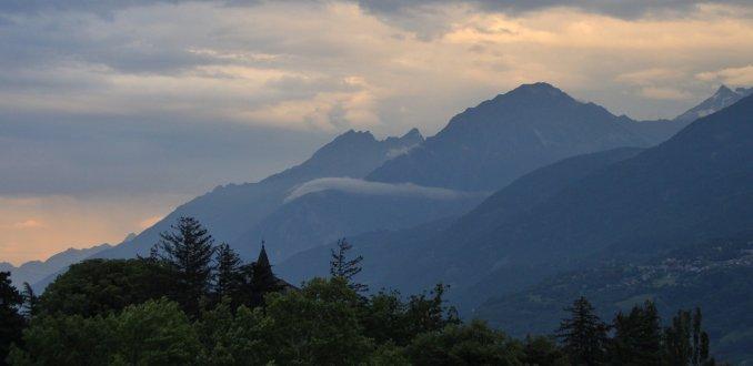 scende la notte ad Aosta