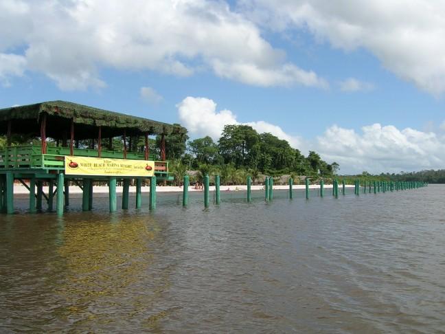 White Beach Marnima Resort, Accaribo