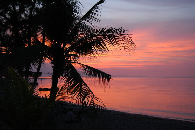 Zonsondergang in Maumere, Flores.