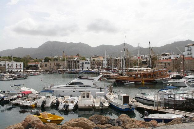 Mooie oude havenplaats Kyrenia (Girne)