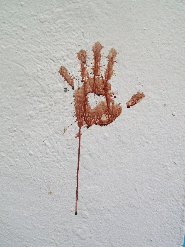 Bloederige handafdruk in Monastir