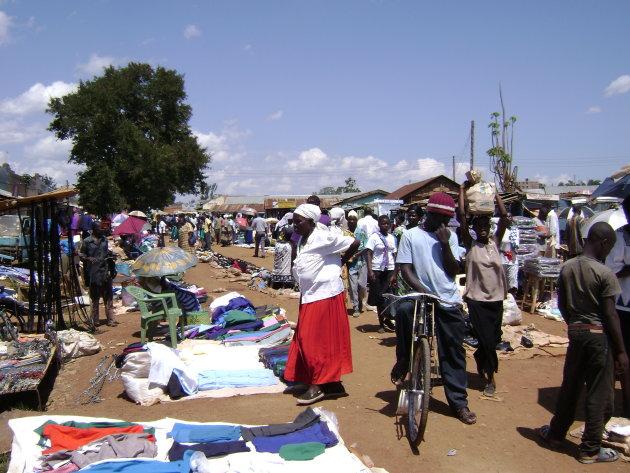 Lokale vrijdagmarkt in Oyugis