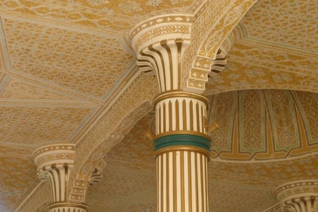 Detail van moskee in Touba