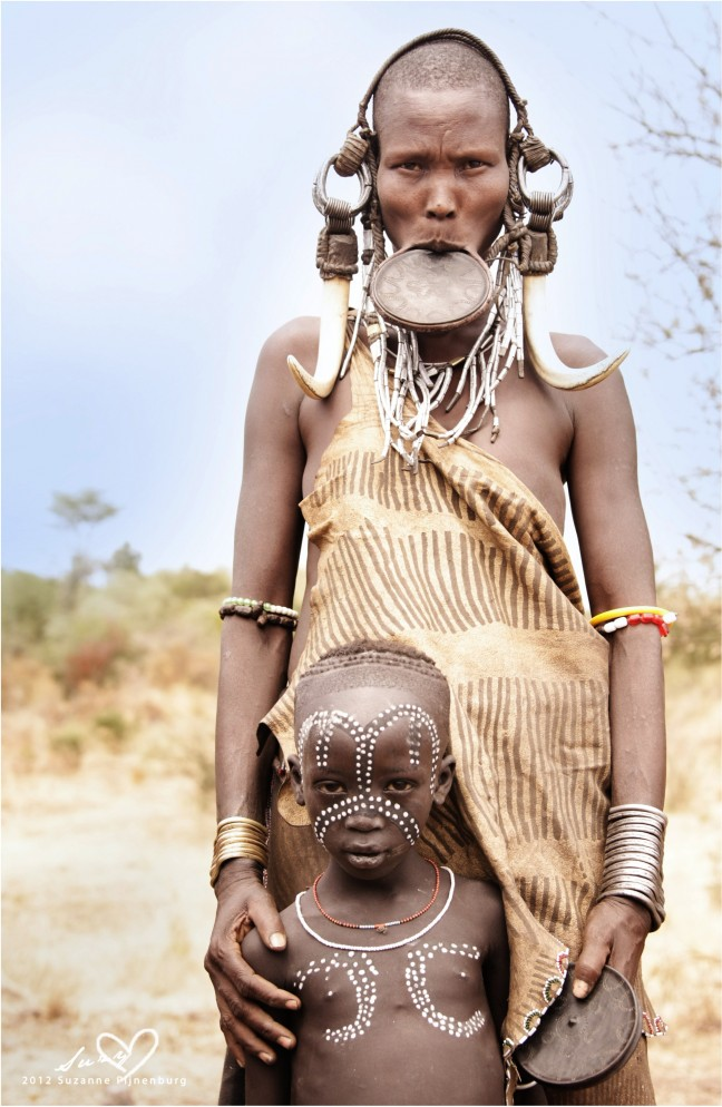 Mursi mother & child