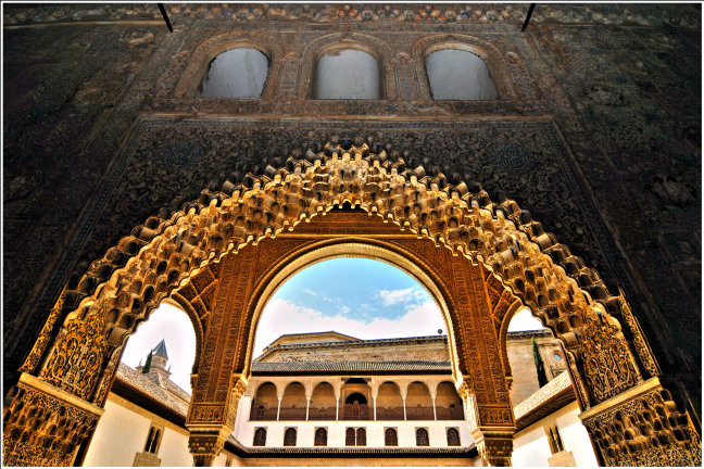 Alhambra details: honingraat