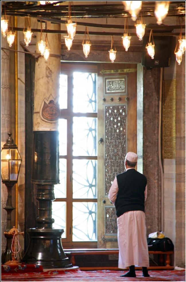 Bidden in de Blauwe Moskee