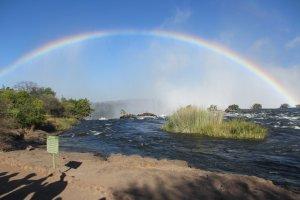Regeboog boven de Victoria Falls