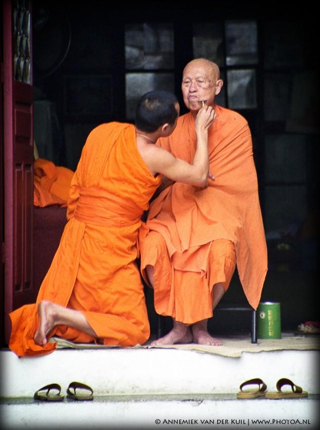 Geschoren monnik in Luang Prabang