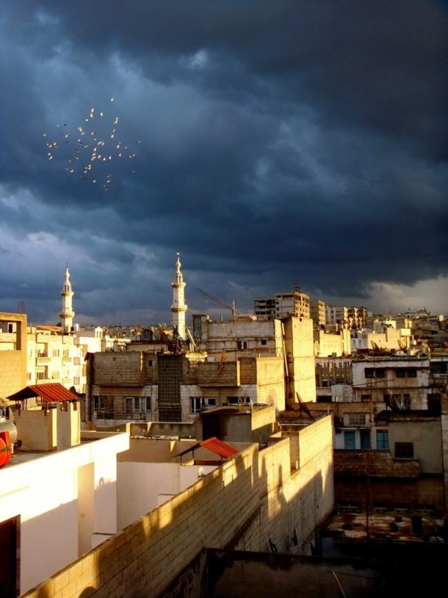 Dreigende luchten boven Homs