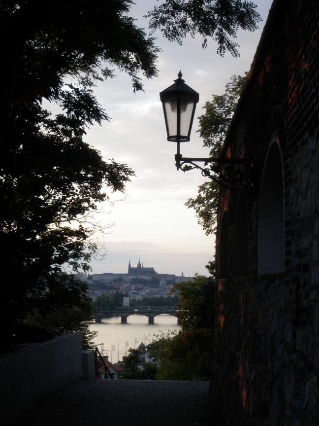 Doorkijkje op de Burcht in Praag