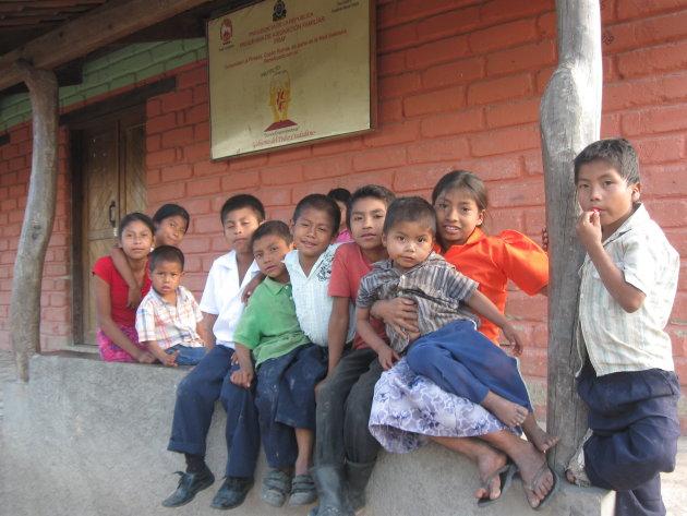 Kinderen in een bergdorp