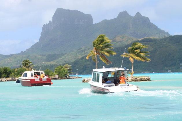 Bora Bora vluchthaven ophaalservice met boten