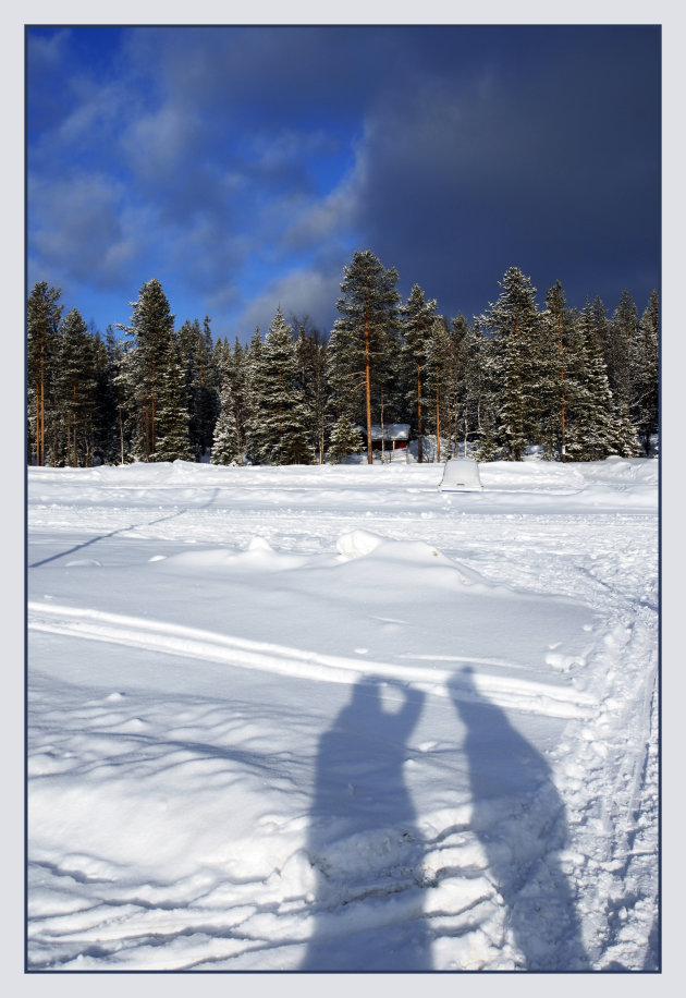 Schaduw in de sneeuw