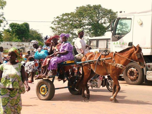 Met paard en wagen