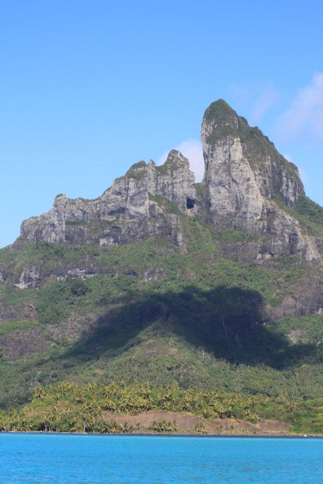 Mt Otemanu van andere perspectife