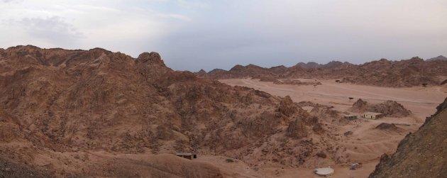 Panorama in de Sinai woestijn.
