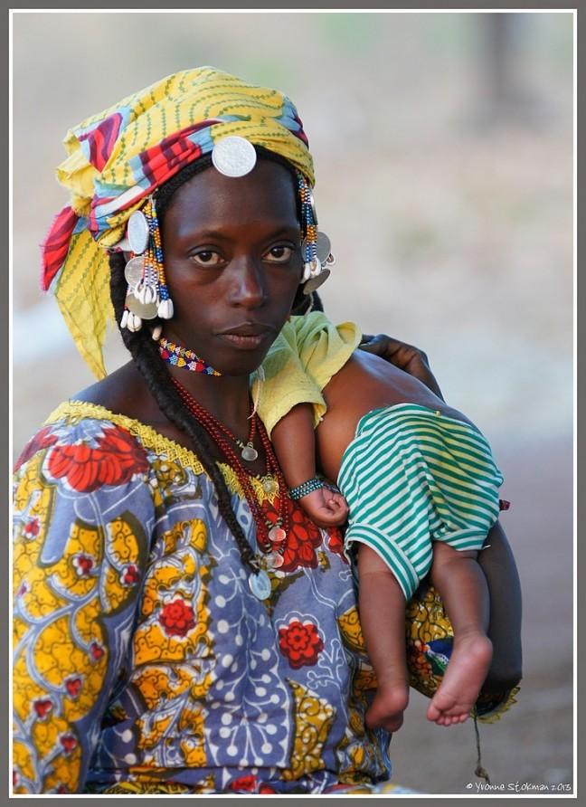 Fulani dame met baby