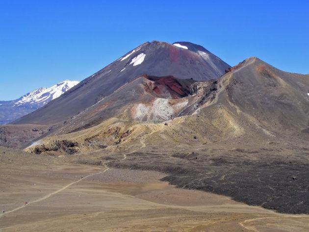 Diverse vulkaankraters tijden de prachtige Tongariro Alpine Crossing