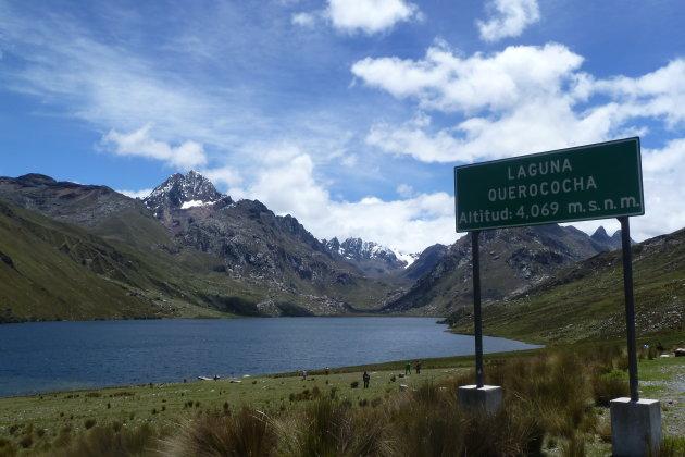 Lago de Querococha.