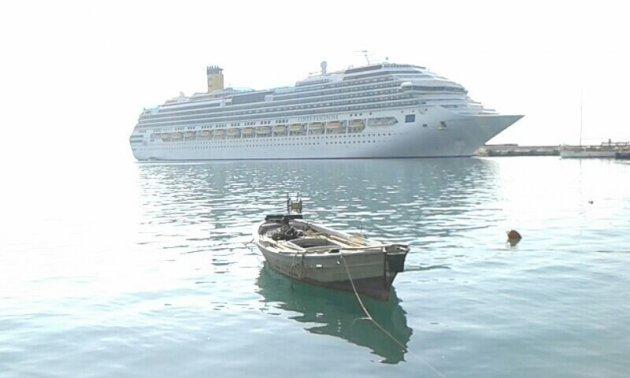 Cruiseschip bij Katalon