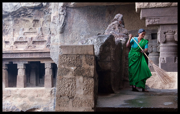 keeping Ellora clean in emerald green