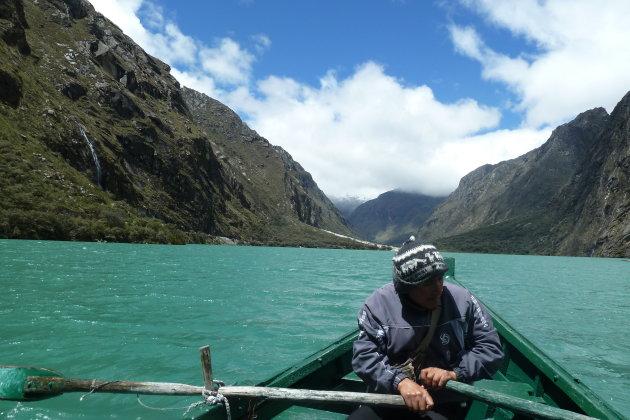 Laguna de LLaganuco.
