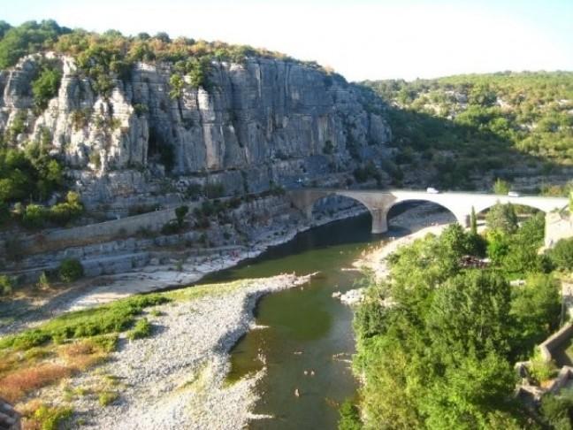 Pont Sur LÁrdeche -Balazuc